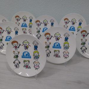 Печать на тарелках.