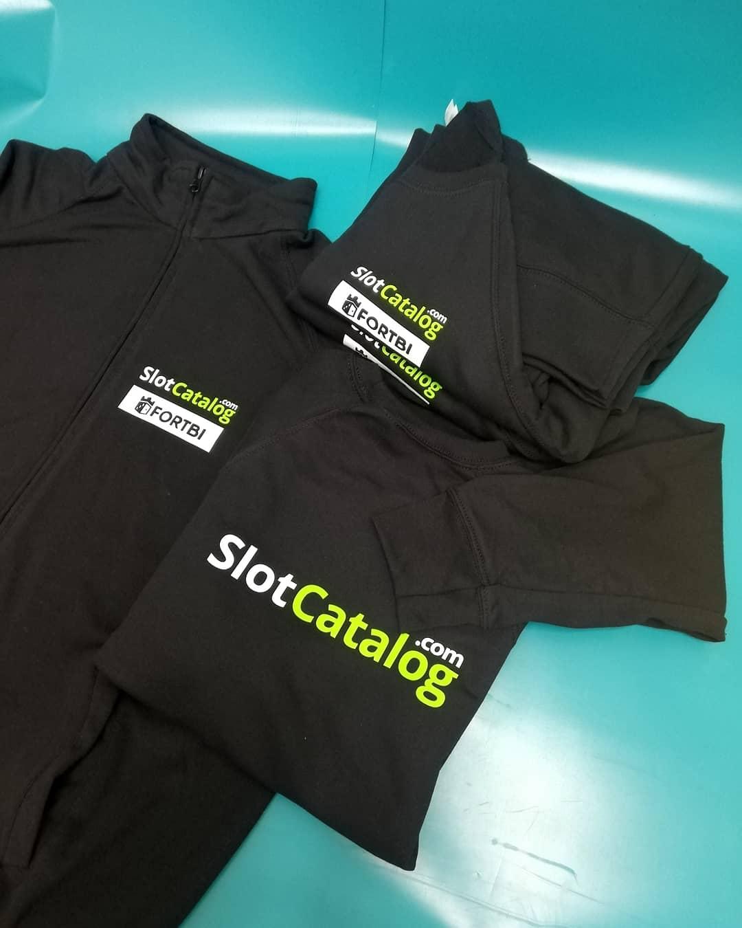 Печать на теплой одежде, Slotcatalog.com, печать на толстовках Киев, заказать печать, заказать худи
