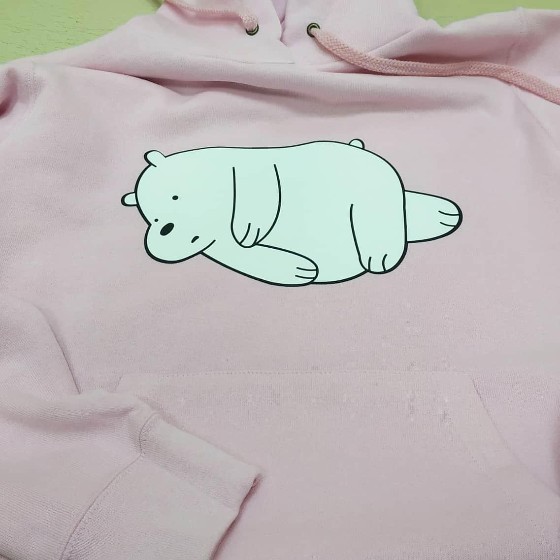 Медведь устал. Печать медведя на толстовке. Печать на толстовках в Киеве. Печать на одежде Киев. Медведь на свитшоте. Оригинальная печать на заказ.