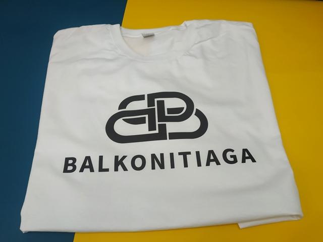 Balkonitiaga на футболке. Печать текста на футболке. Печать Киев. Быстрая печать на футболках.